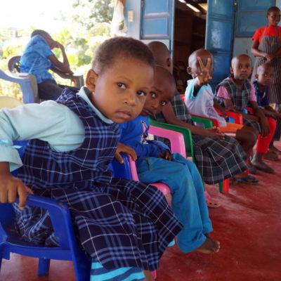 Kinder im Waisenhaus